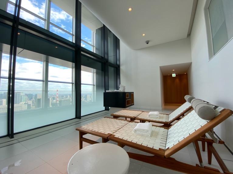 アンダーズ東京のプールとサウナ、ジムは眺望抜群の充実施設!「AOスパ&クラブ」をブログレポート!