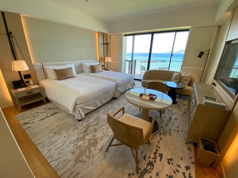 ハレクラニ沖縄「客室」:寝室&リビング