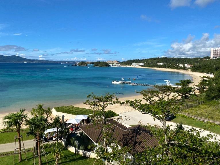 ハレクラニ沖縄「眺望」:プライベートビーチ