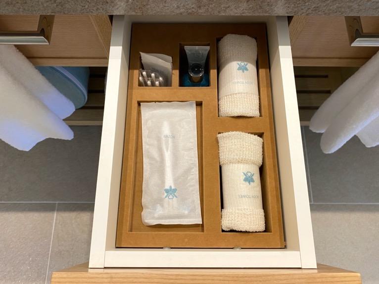 ハレクラニ沖縄「バスルーム」:ひげそり&ボディータオル