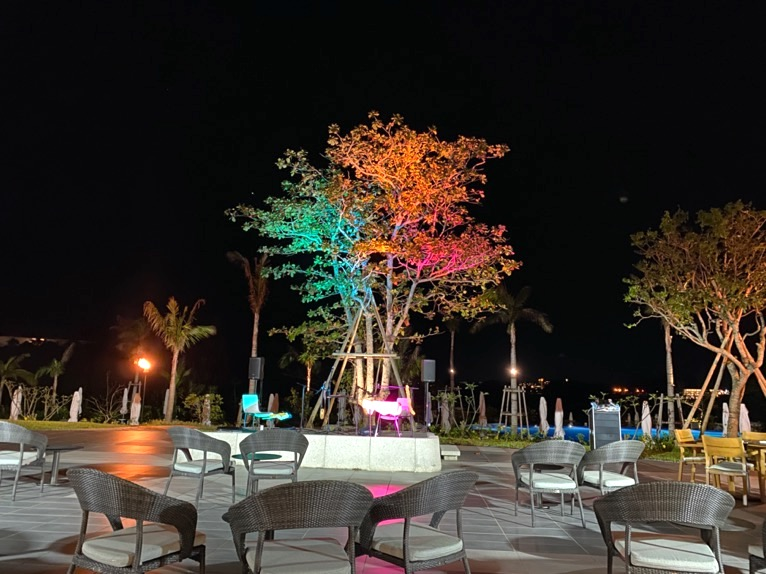 ハレクラニ沖縄「ハウスウィズアウトアキー」:ディナーの雰囲気
