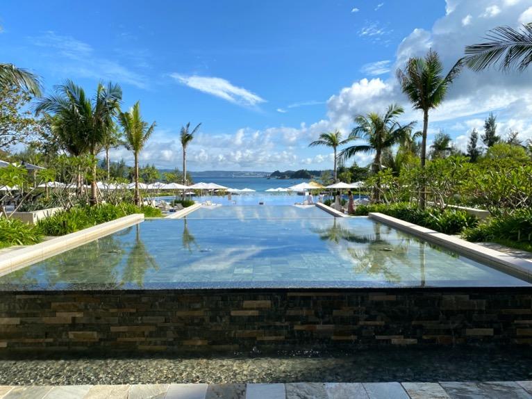 ハレクラニ沖縄「ロビー」:水盤