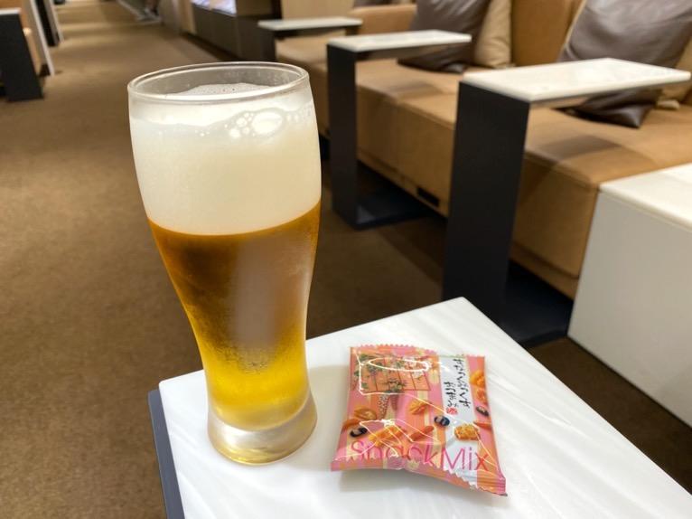 那覇空港ANAラウン:ビール&スナックおつまみ