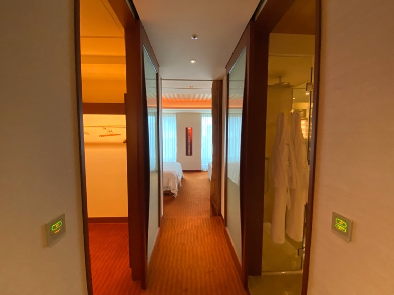 ザ・ペニンシュラ東京「客室」:ホワイエ