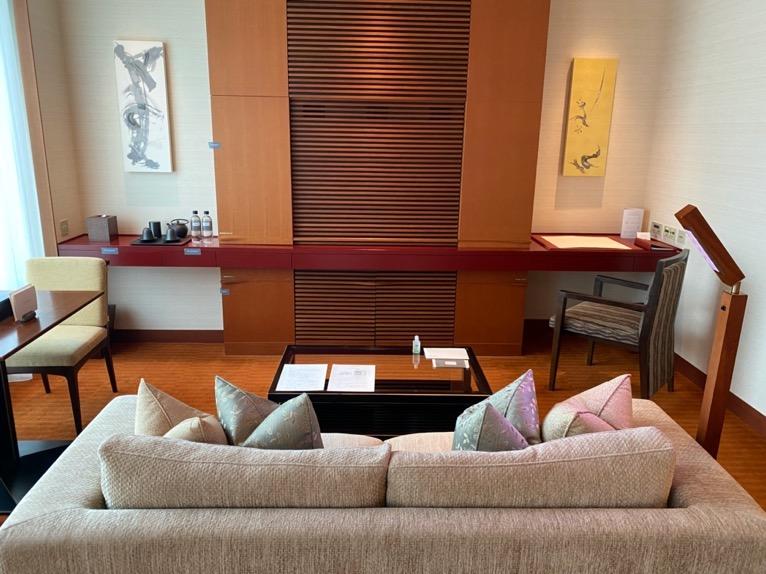 ザ・ペニンシュラ東京「客室」:リビング