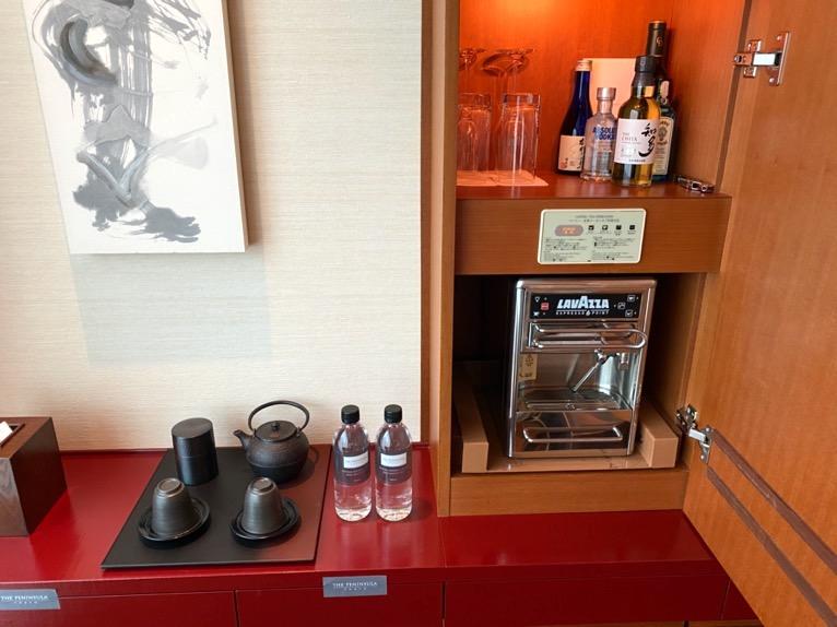 ザ・ペニンシュラ東京「客室」:ミニバー