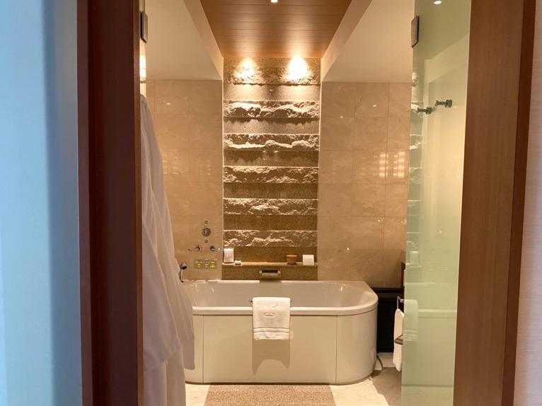 ザ・ペニンシュラ東京「客室」:バスルーム
