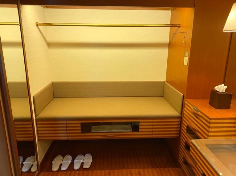 ザ・ペニンシュラ東京「客室」:クローゼット