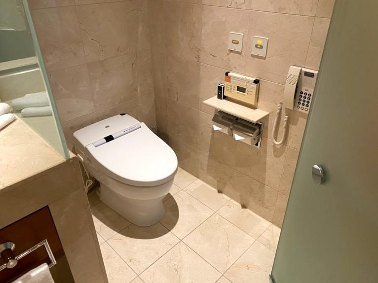 ザ・ペニンシュラ東京「客室」:トイレ