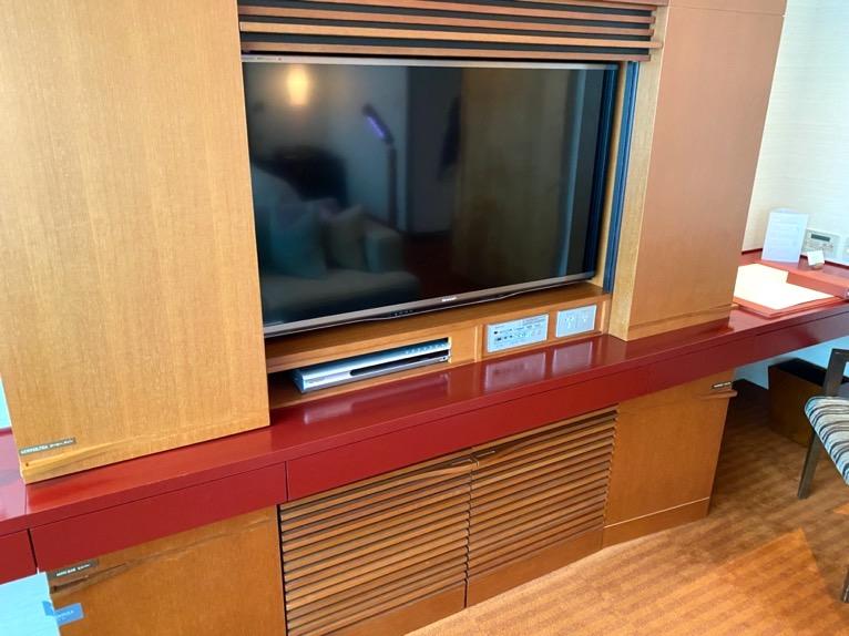 ザ・ペニンシュラ東京「客室」:TV