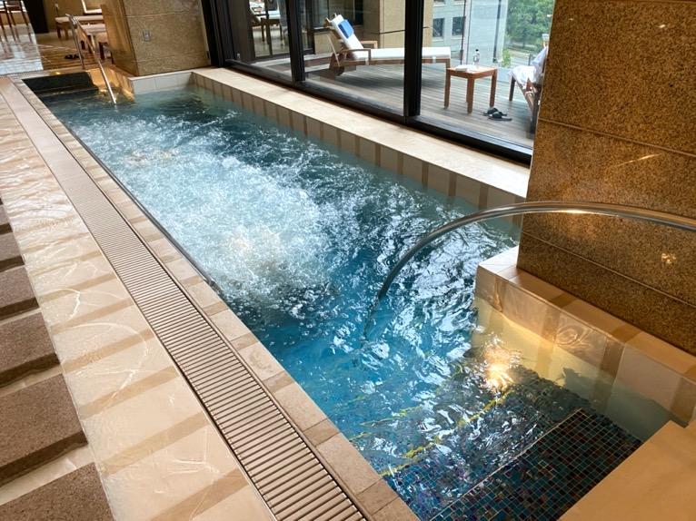 ザ・ペニンシュラ東京のプールとジム、サウナ:ジャグジー