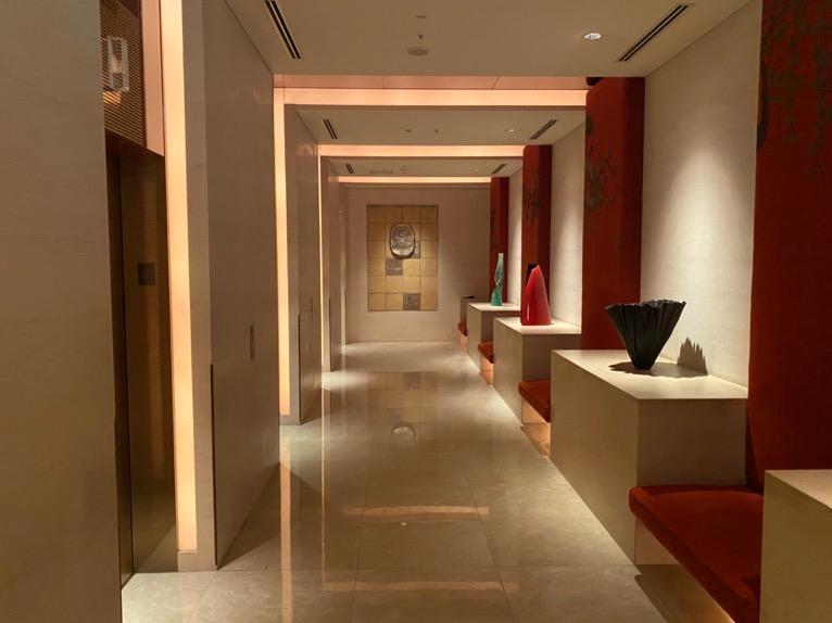 ザ・ペニンシュラ東京「ロビー」:エレベーターホール