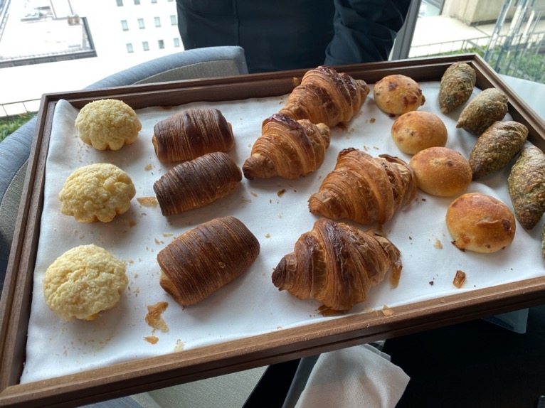 ザ・ペニンシュラ東京の朝食「Peter(ピーター)」:洋食(パンバスケット)