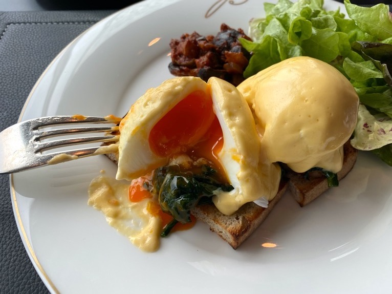ザ・ペニンシュラ東京の朝食「Peter(ピーター)」:卵の断面