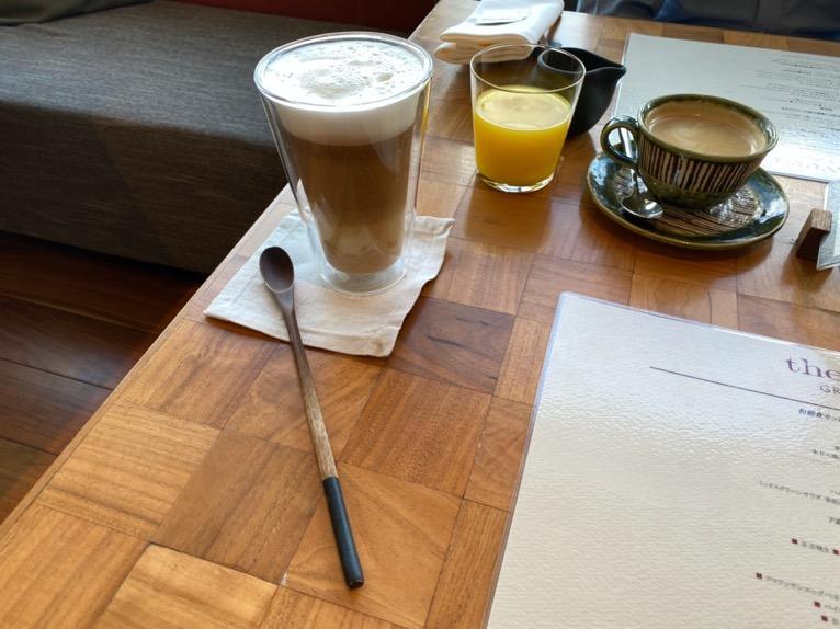 アンダーズ東京の朝食:ドリンク(カフェラテ)