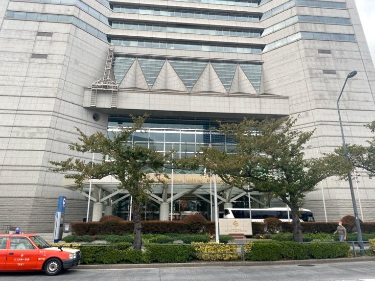 横浜ロイヤルパークホテル「外観」:正面エントランス