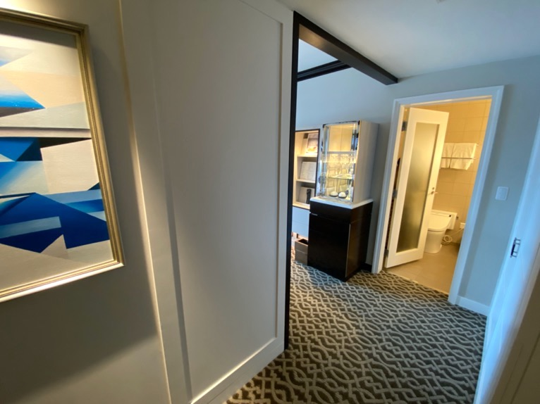 横浜ロイヤルパークホテル「客室」:ホワイエ