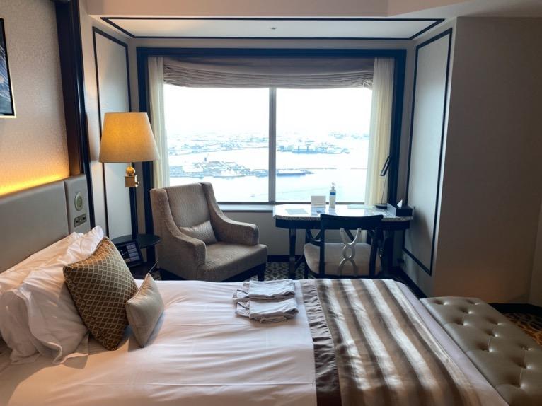 横浜ロイヤルパークホテル「客室」:窓