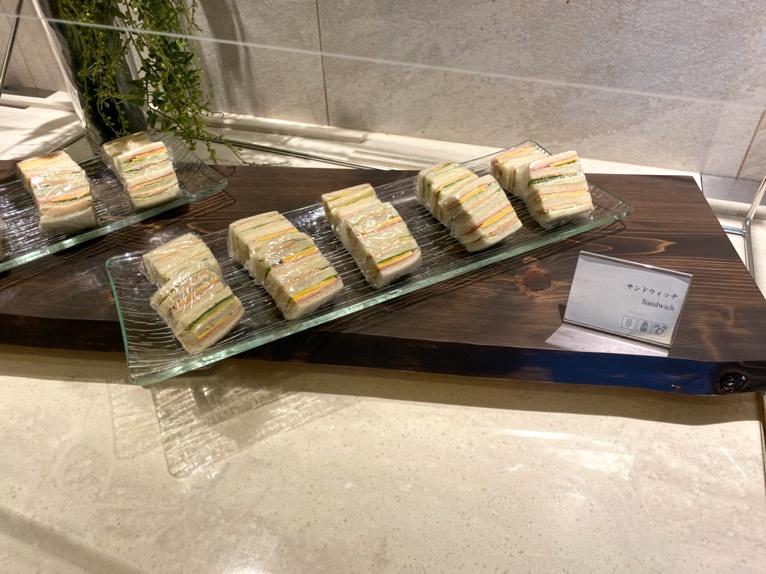 横浜ロイヤルパークホテルのクラブラウンジ「ティータイム」:フードの品揃え1
