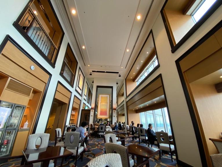 横浜ロイヤルパークホテルのクラブラウンジ:全体像