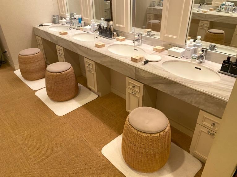 横浜ロイヤルパークホテル「フィットネスクラブ」:洗面台