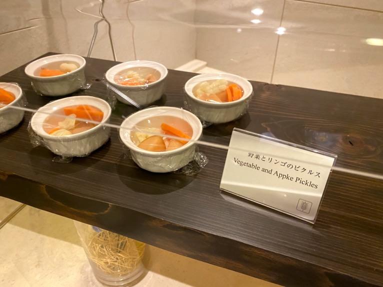 横浜ロイヤルパークホテルのクラブラウンジ「イブニングカクテル」:フードの品揃え8
