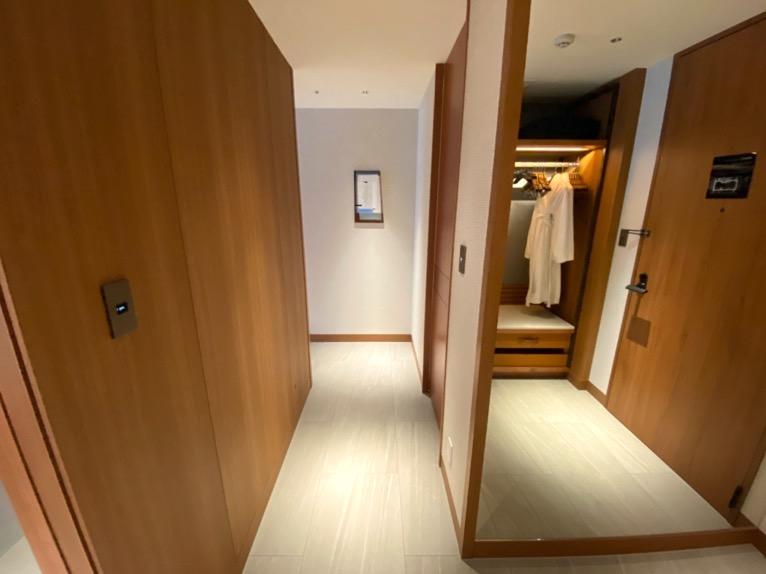 インターコンチネンタル横浜Pier8「客室」:廊下