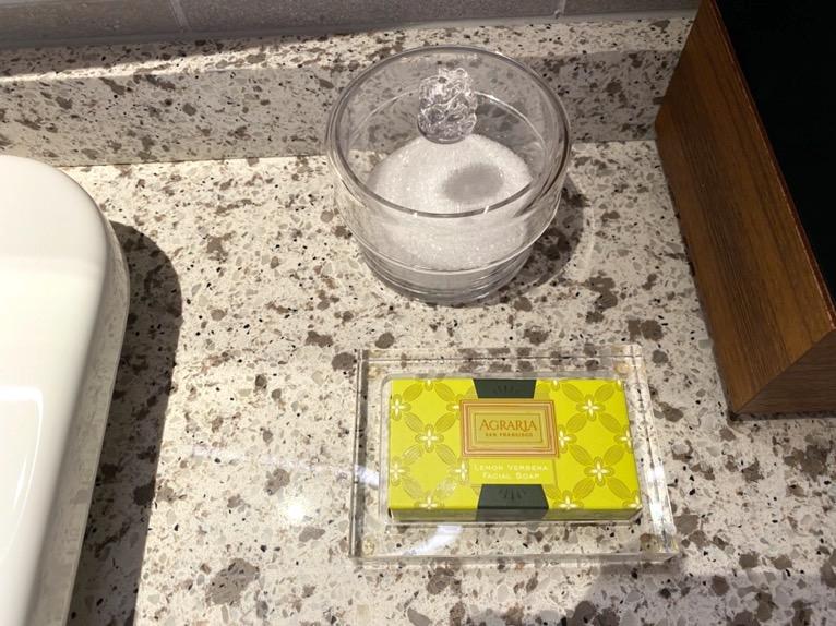 インターコンチネンタル横浜Pier8「客室」:バスソルト&石鹸