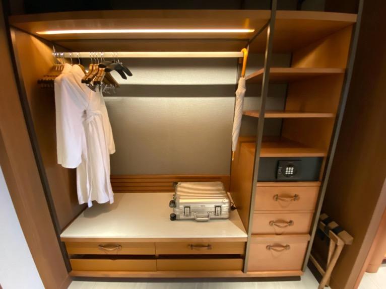 インターコンチネンタル横浜Pier8「客室」:クローゼット