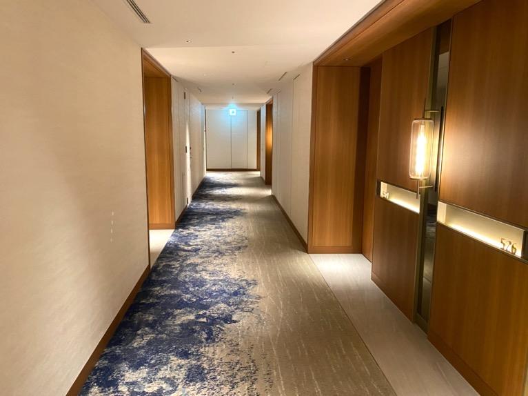 インターコンチネンタル横浜Pier8「客室」:内廊下