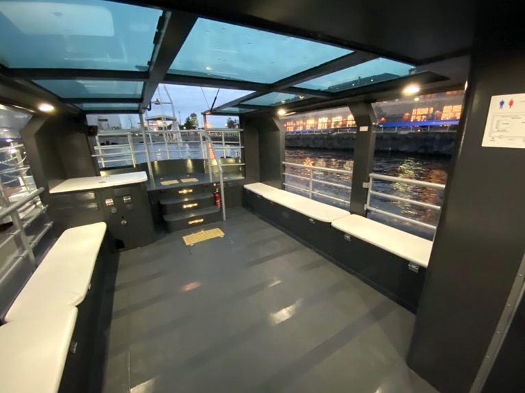 インターコンチネンタル横浜Pier8のクルーズ「集合場所」:クルーズ船の内観1