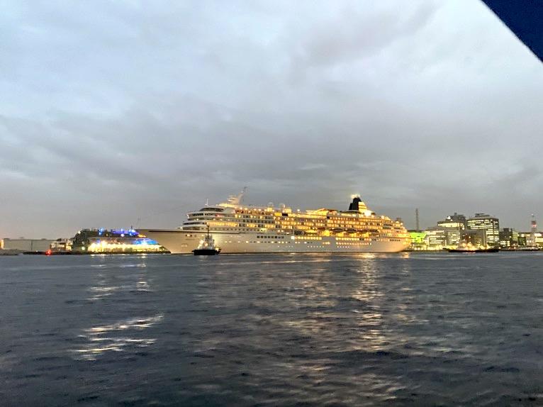 インターコンチネンタル横浜Pier8のクルーズ「クルージングの様子」:大桟橋
