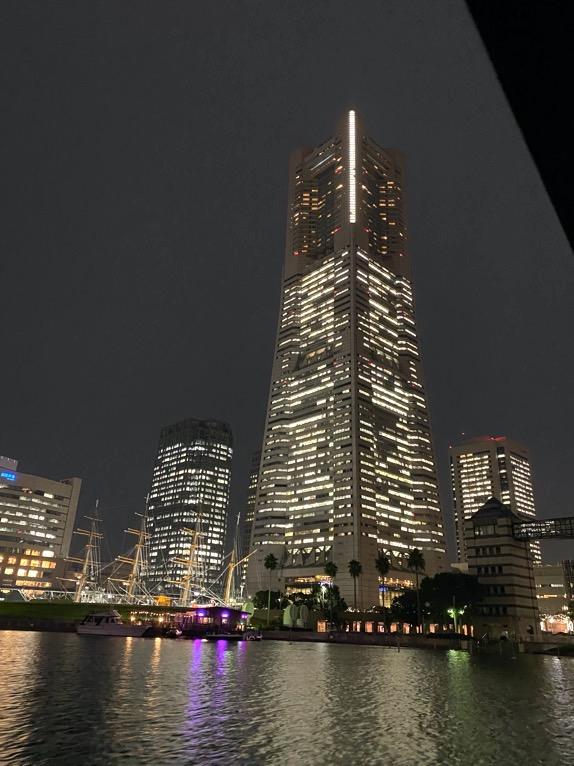 インターコンチネンタル横浜Pier8のクルーズ「クルージングの様子」:横浜ランドマークタワー2