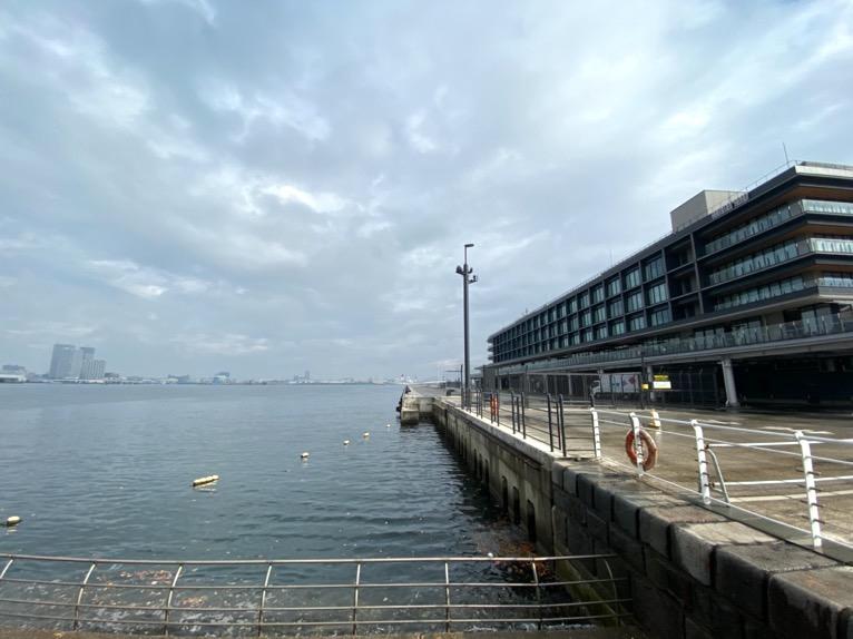 インターコンチネンタル横浜Pier8「外観」:ハンマーヘッド