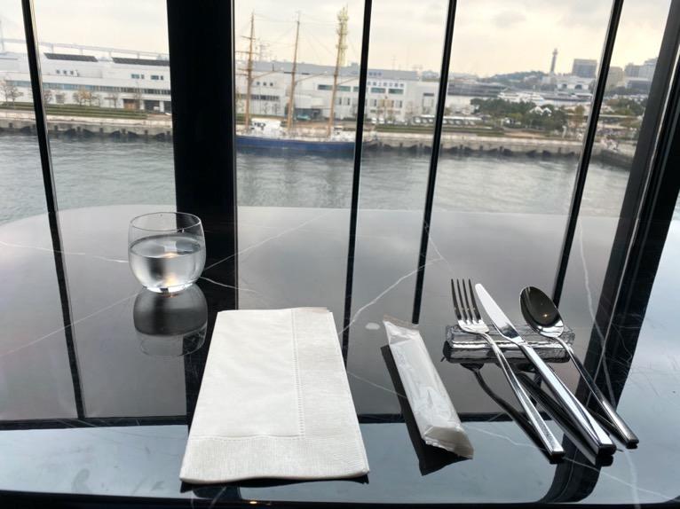 インターコンチネンタル横浜Pier8「ブランチ」:クラブラウンジ の雰囲気