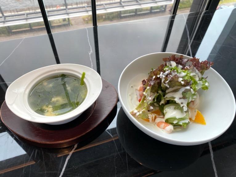 インターコンチネンタル横浜Pier8「ブランチ」:スープ、サラダ