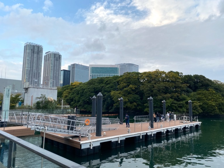 水上バス(定期運行線)を体験レポート:埠頭(ウォーターズ竹芝)