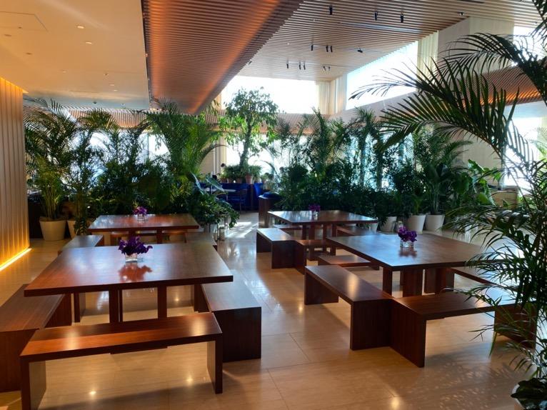 東京エディション虎ノ門「The Lobby Bar」:テーブル席