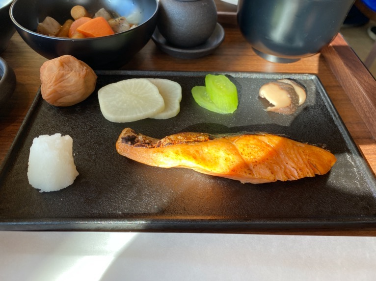 東京エディション虎ノ門「朝食」:和朝食(焼き魚)