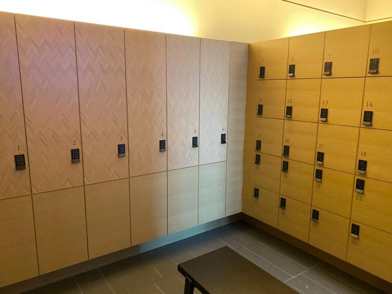 フォーシーズンズホテル東京大手町「温浴施設」:ロッカールーム