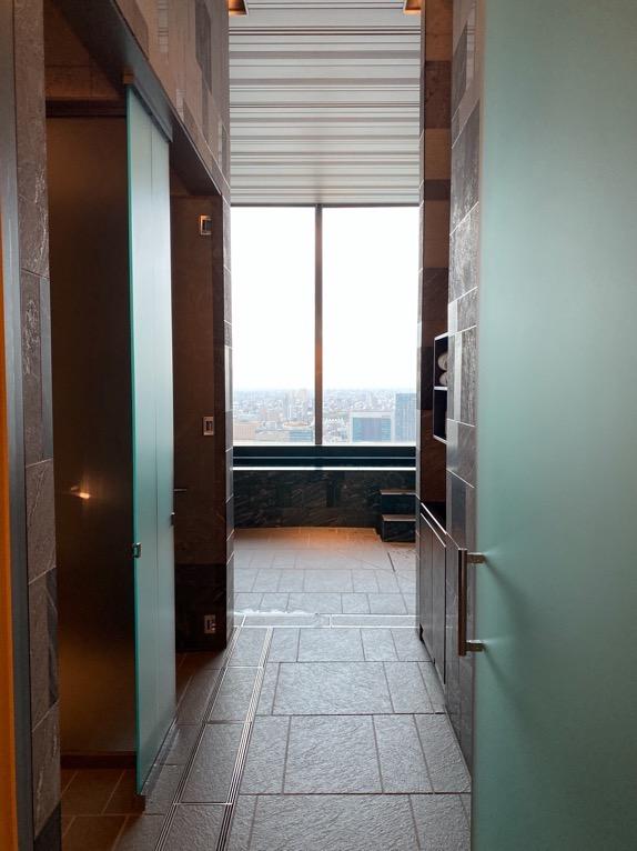 フォーシーズンズホテル東京大手町「温浴施設」:アプローチ