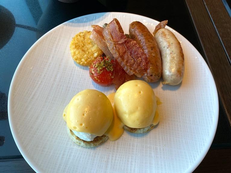フォーシーズンズホテル東京大手町の朝食:メイン(卵料理)
