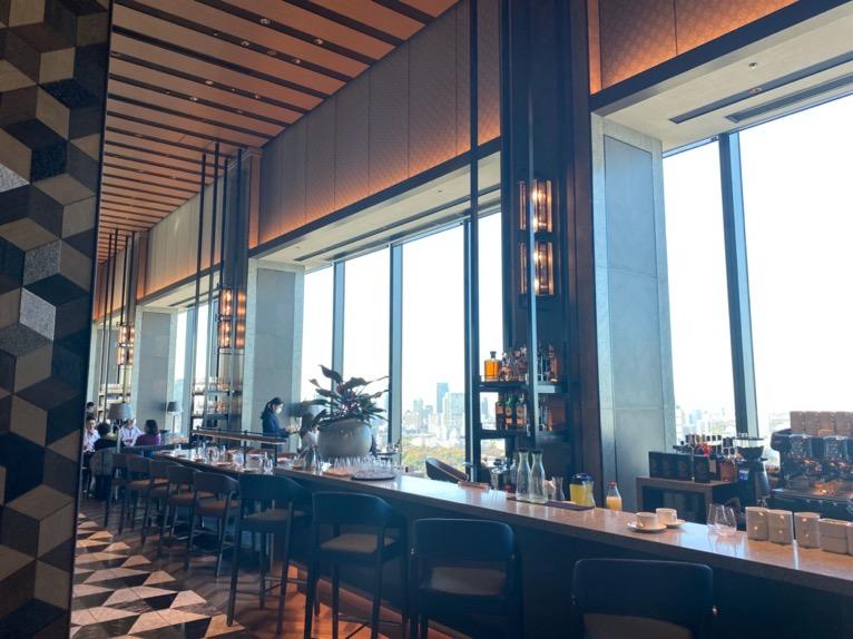 フォーシーズンズホテル東京大手町の朝食:ピニートの内観1