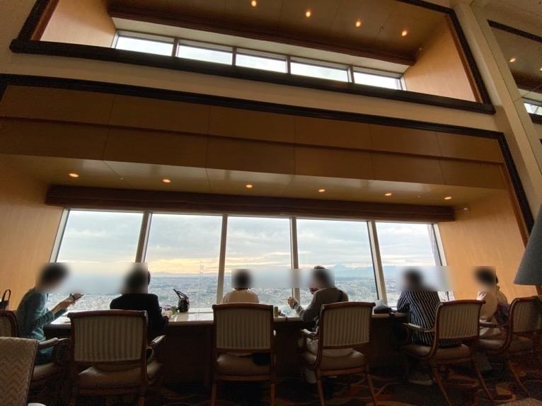 横浜ロイヤルパークホテルのクラブラウンジ:カウンター席