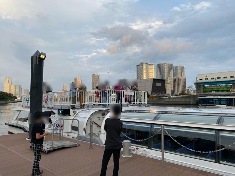 水上バス(定期運行線)を体験レポート:船の外観