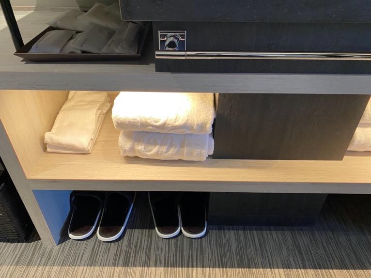 東京ベイ潮見プリンスホテル「客室」:タオル&スリッパ