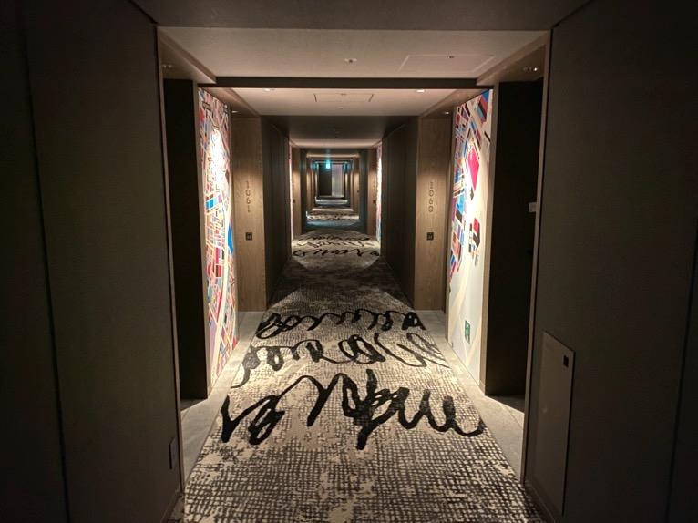 東京ベイ潮見プリンスホテル「ロビー」:内廊下