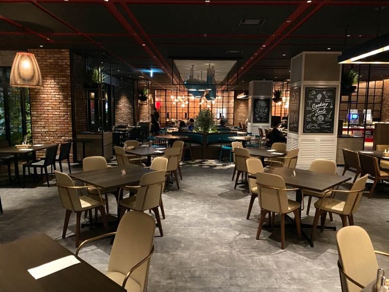 東京ベイ潮見プリンスホテルのディナー:レストランの雰囲気
