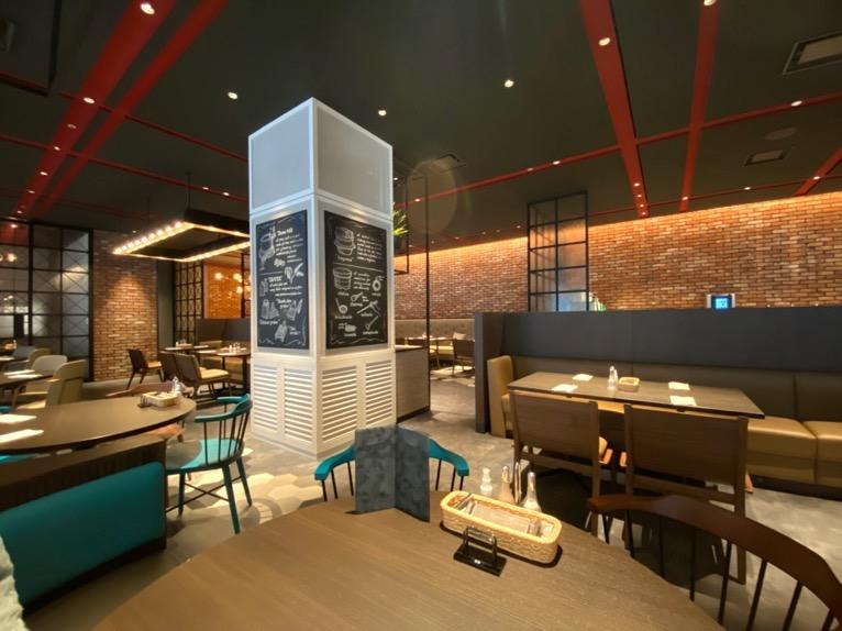 東京ベイ潮見プリンスホテルの朝食:レストラン(TIED TABLE)の内観