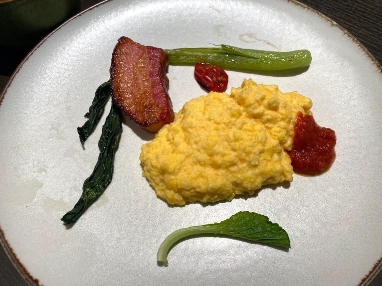 東京ベイ潮見プリンスホテルの朝食:朝食の内容(卵料理と付け合わせ)